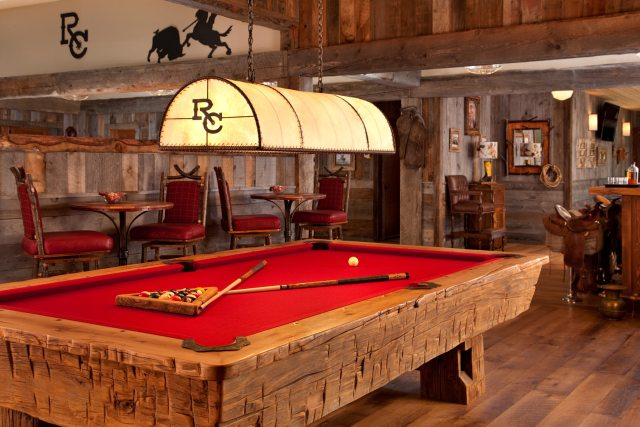 Pool-table-in-The-Saloon_0