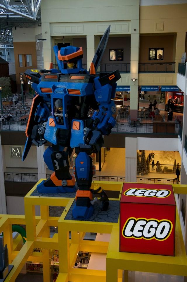 Giant Lego Gundam
