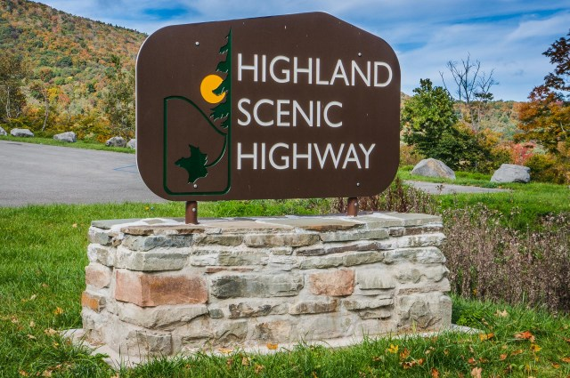 Entrance to the Highland Scenic Drive