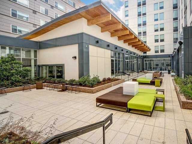 Aloft Arundel Mills Courtyard Low-res