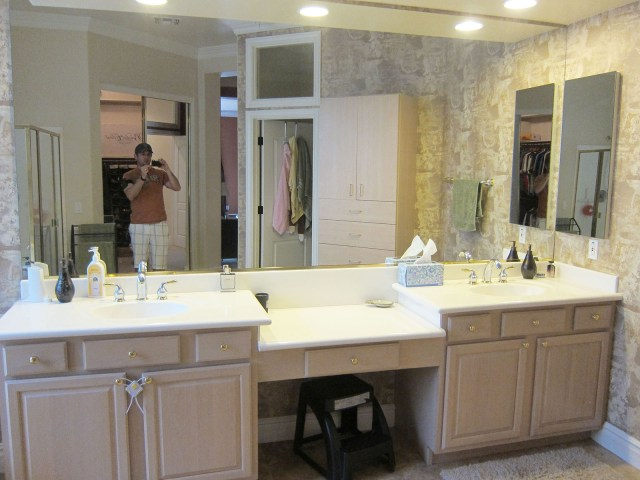 Custom Hanging Mirrors That Make Your Bathroom Pop The