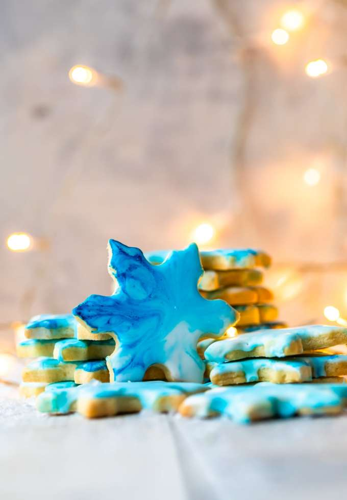 snowflakes cookies with blue marbled frosting