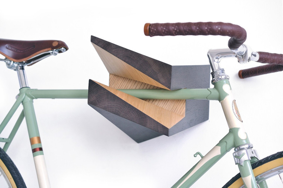 Woodstick Iceberg Chestnut - indoor bike rack