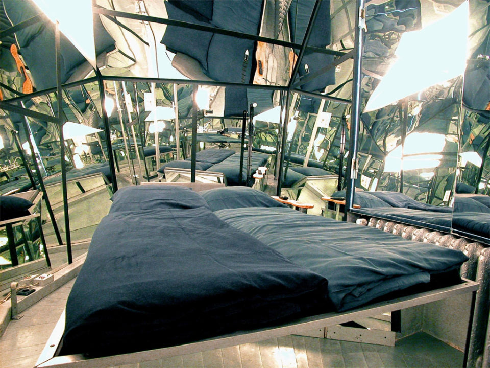 via hotelyouwant.com