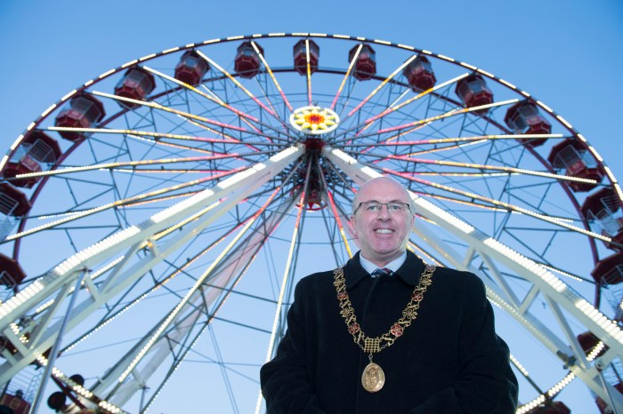 GLOW Cork Christmas Celebration on the Grand Parade takes place 25 Nov 2016 – 18 Dec 2016