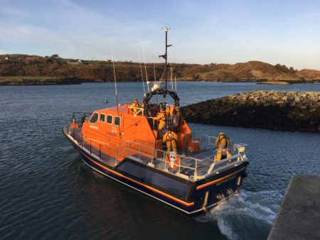 Baltimore RNLI on 11 hour callout to assist trawler broken down off the coast of West Cork