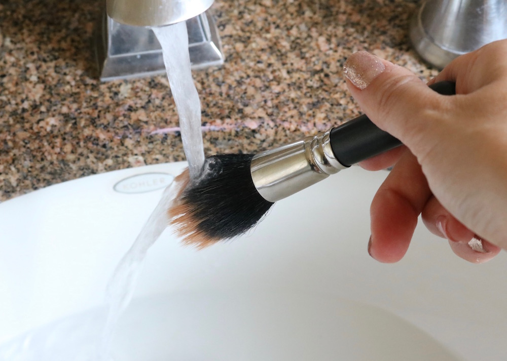 How To Clean Brushes 1