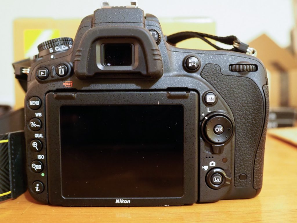photograph of the back of the nikon d750 camera