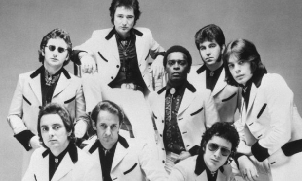 Showaddywaddy will perform at the celebration.