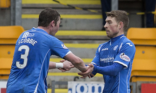 David Wotherspoon celebrates his goal against Motherwell with Tam Scobbie.