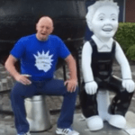 "VIDEO: Street poet Gary Robertson says he's not ""A'body's Wullie"" – he's Dundee's!"