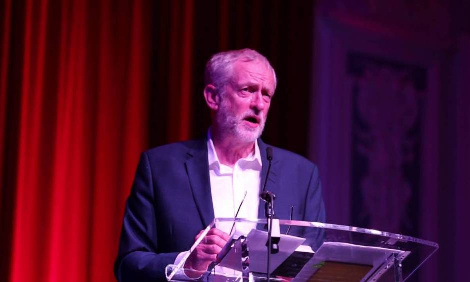 Jeremy Corbyn delivering a rally speech in Dundee