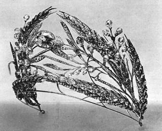 Ears of Wheat tiara [image via alexanderpalace.org]