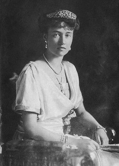 Charlotte wears the Grand Duchess Adelaide Tiara with pearls, including Grand Duchess Maria Ana's Pearl Negligee Pendant