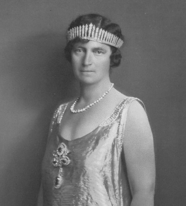Queen Alexandrine of Denmark wearing jewels
