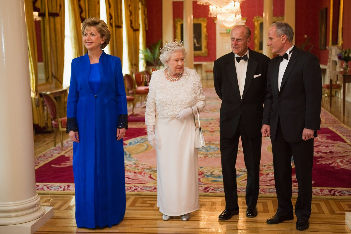 Queen Elizabeth II (2nd L) and Prince Philip, the Duke of Edinburgh (2nd R) attend the State Banquet in Dublin Castle hosted by the Irish President Mary McAleese (L) and her husband Martin McAleese on the second day of her State Visit, at Dublin Castle, on May 18, 2011 in Dublin, Ireland