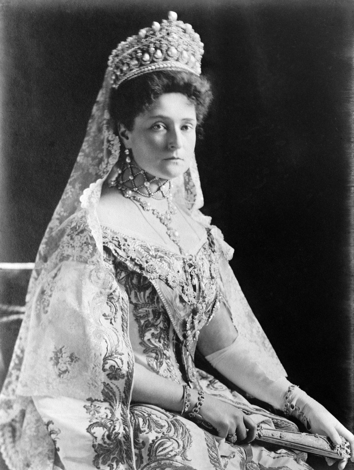 Empress Alexandra Feodorovna, photographed by Boasson and Eggler St. Petersburg Nevsky 24