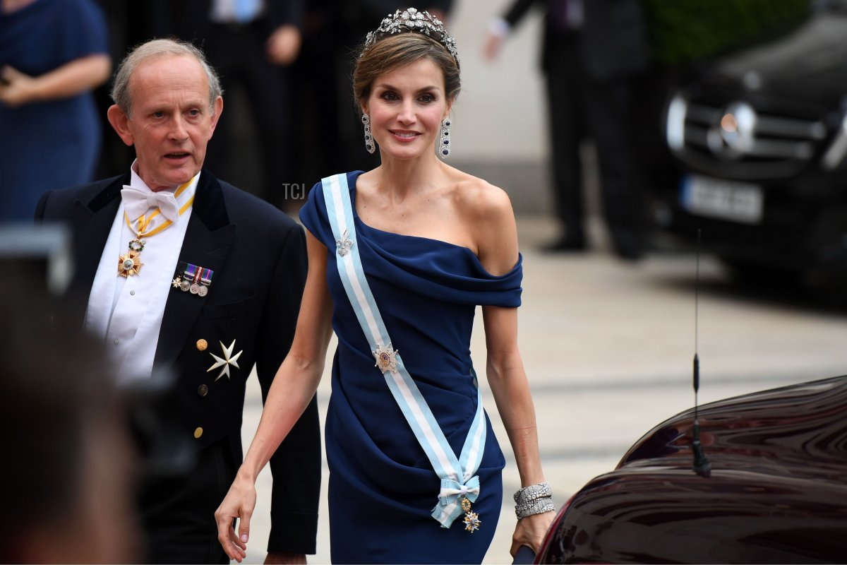 Spanish Queen Letizia arrives for a banquet at Guildhall in central London on July 13, 2017, on the second day of the Spanish King and Queen's three-day state visit