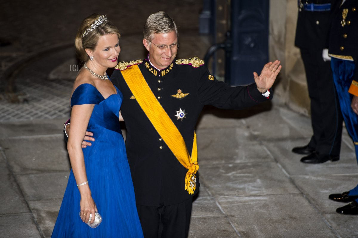 Princess Mathilde of Belgium and Crown Prince Philippe of Belgium waves upon arrival for a gala dinner at the Grand-Ducal palace, after the civil wedding of Crown Prince Guillaume of Luxembourg and Belgian Countess Stephanie de Lannoy, on October 19, 2012, in Luxembourg