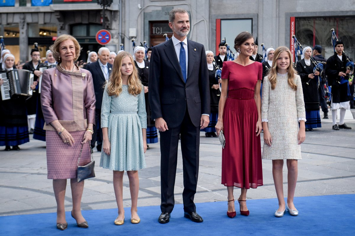 Queen Sofia, Princess Leonor of Spain , King Felipe VI of Spain, Queen Letizia of Spain and Princess Sofia of Spain arrive to the Campoamor Theatre ahead of the 'Princesa de Asturias' Awards Ceremony 2019 on October 18, 2019 in Oviedo, Spain