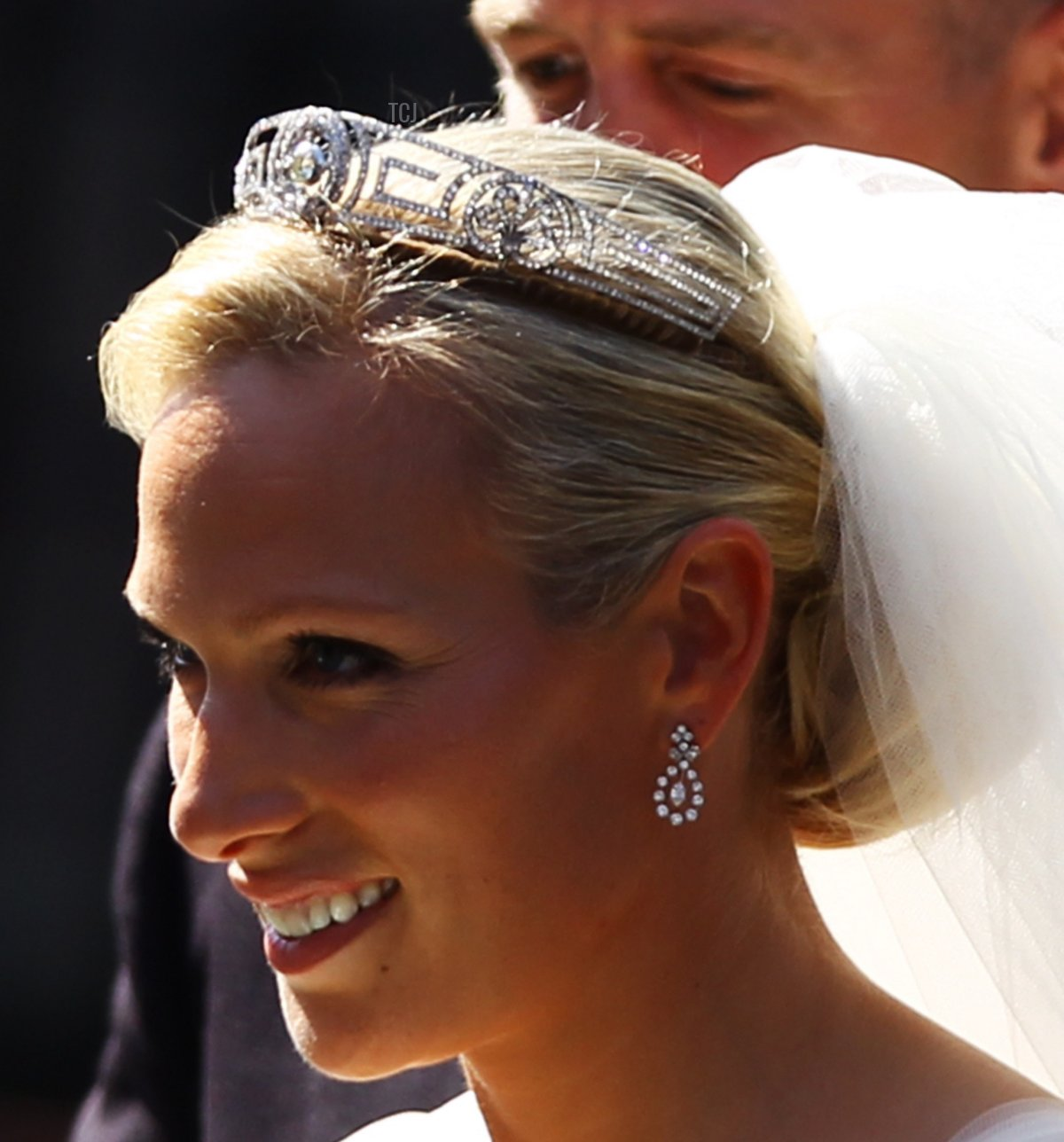 Zara Phillips departs afterher Royal wedding to Mike Tindall at Canongate Kirk on July 30, 2011 in Edinburgh, Scotland