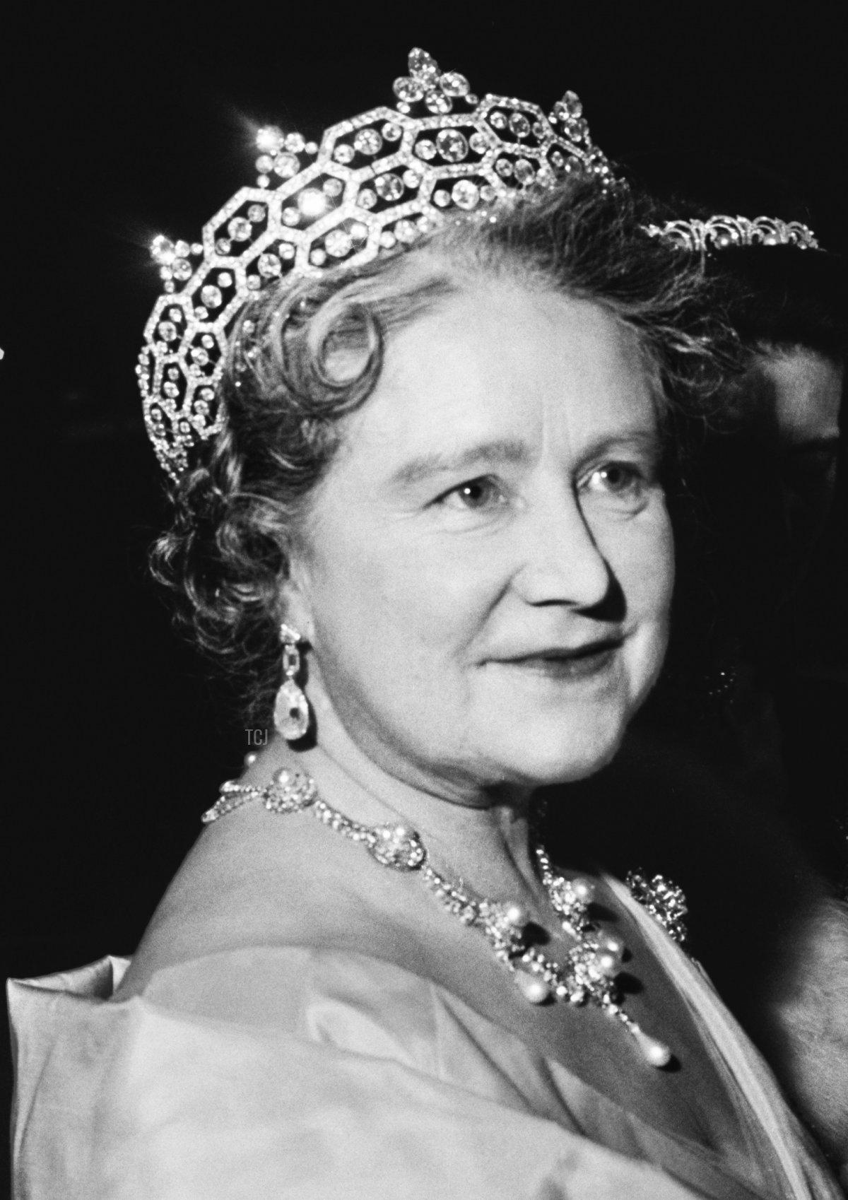 Queen Elizabeth, the Queen Mother (1900 - 2002), UK, 19th November 1964