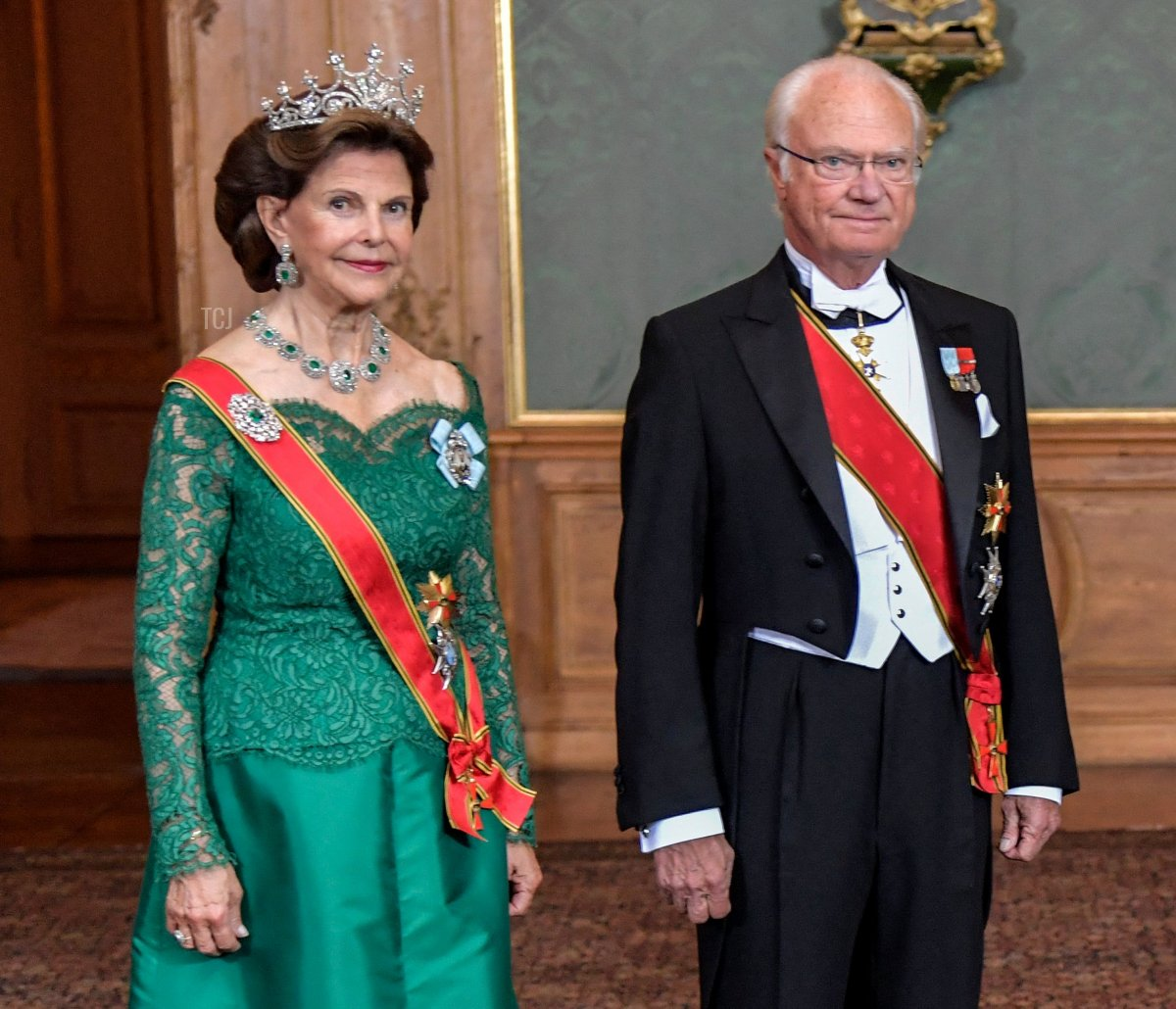 Sweden's Queen Silvia, King Carl Gustaf, German President Frank-Walter Steinmeier and his wife Elke Buedenbender pose for a photo before a State Banquet at the Royal Palace in Stockholm, on September 7, 2021