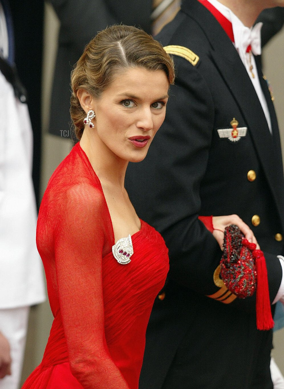 Crown Prince Felipe of Spain and his fiancee Letizia Ortiz arrive at the Copenhagen Cathedral in Copenhagen, 14 May 2004, for the wedding of Mary Elisabeth Donaldson and Crown Prince Frederik of Denmark