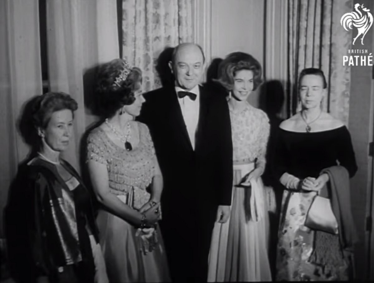 Queen Friederike of the Hellenes attends Barnard College's 75th anniversary dinner at the Waldorf-Astoria in New York, 22 Jan 1964