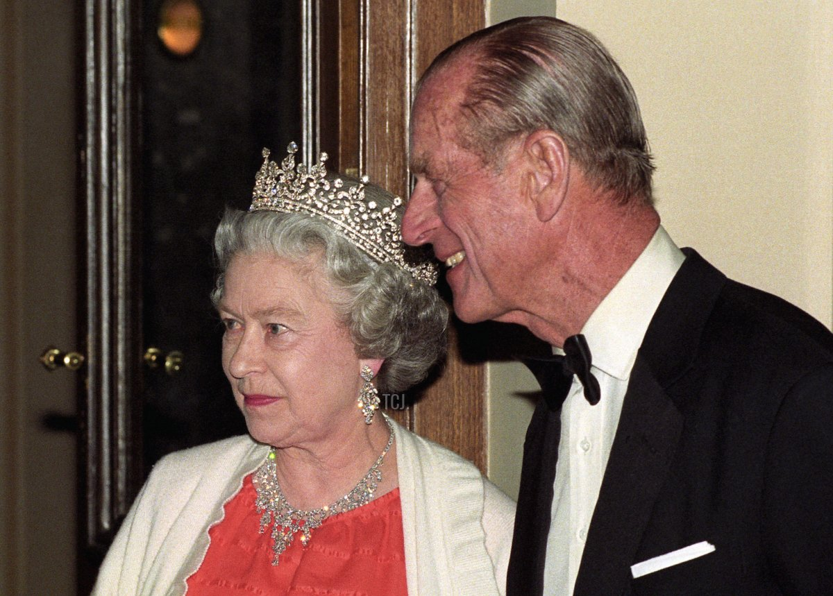The Queen and the Duke of Edinburgh, talk to Czech President Havel after they arrived at the National Theatre in Prague for a music concert, on the 2nd day of their stay in the Czech Republic, 28 Mar 1996
