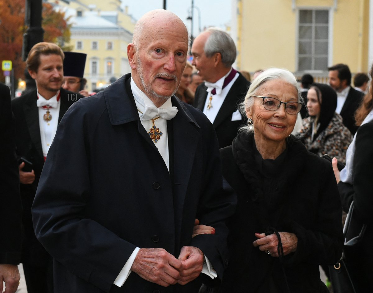 Former Bulgarian King Simeon II and his wife Margarita arrive to attend a dinner during the wedding of Grand Duke George Mikhailovich Romanov, and Victoria Romanovna Bettarini in Saint Petersburg, on October 1, 2021