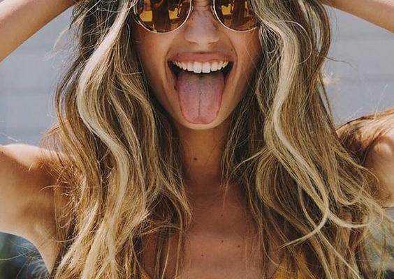 Πώς να προστατεύσεις τα μαλλιά σου από τον ήλιο