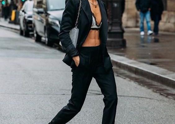 Κοστούμι με bra top το πιο σέξι combo της άνοιξης - The Cover