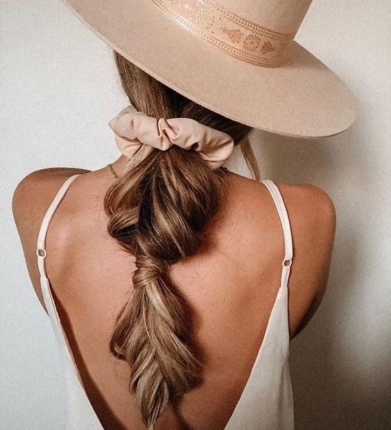 Εύκολα χτενίσματα για μακριά μαλλιά - The Cover