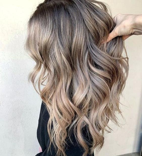Μπαλαγιάζ σε καστανά μαλλιά - The Cover