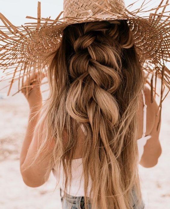 Χτενίσματα με πλεξούδες για την παραλία