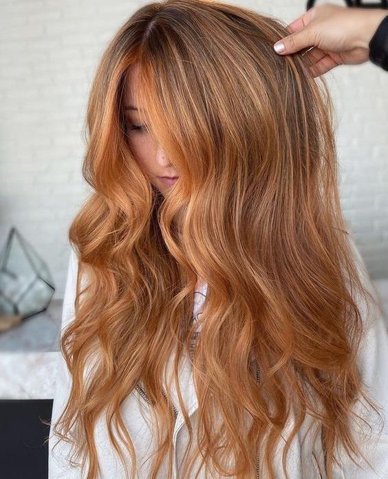 Χρωματικές τάσεις στα μαλλιά Φθινόπωρο / Χειμώνας 2021 - 2022