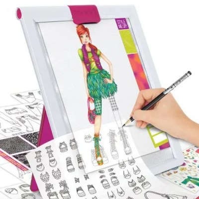 Style Me Up Fashion Tracing