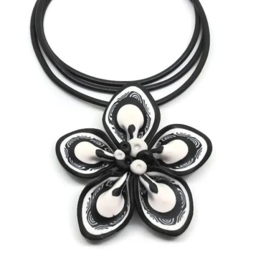 Floral Pendant Black and White