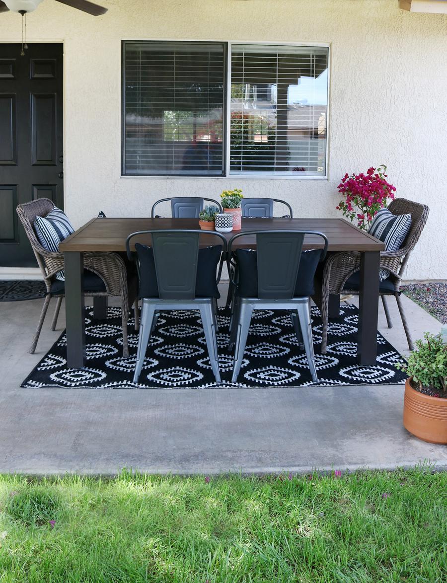 Black & White Modern Farmhouse Patio Decor on Black And White Backyard Decor  id=51416