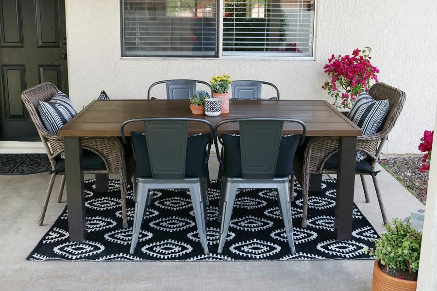 Black & White Modern Farmhouse Patio Decor on Black And White Backyard Decor  id=70542
