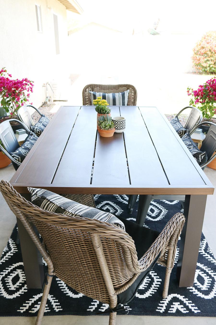 Black & White Modern Farmhouse Patio Decor on Black And White Backyard Decor  id=22431