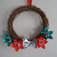 Red and green origami wreath, silver bow