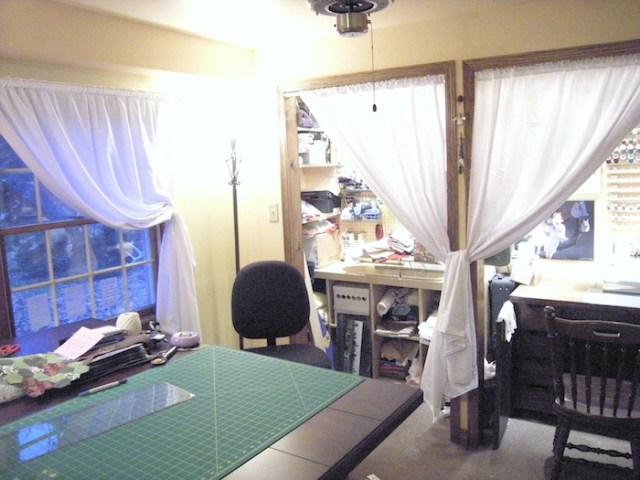 craft_room_closet_curtains2