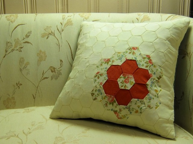 hexagon_pillow_case_3