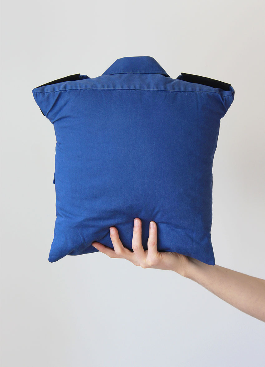 turn a shirt into a cushion cover