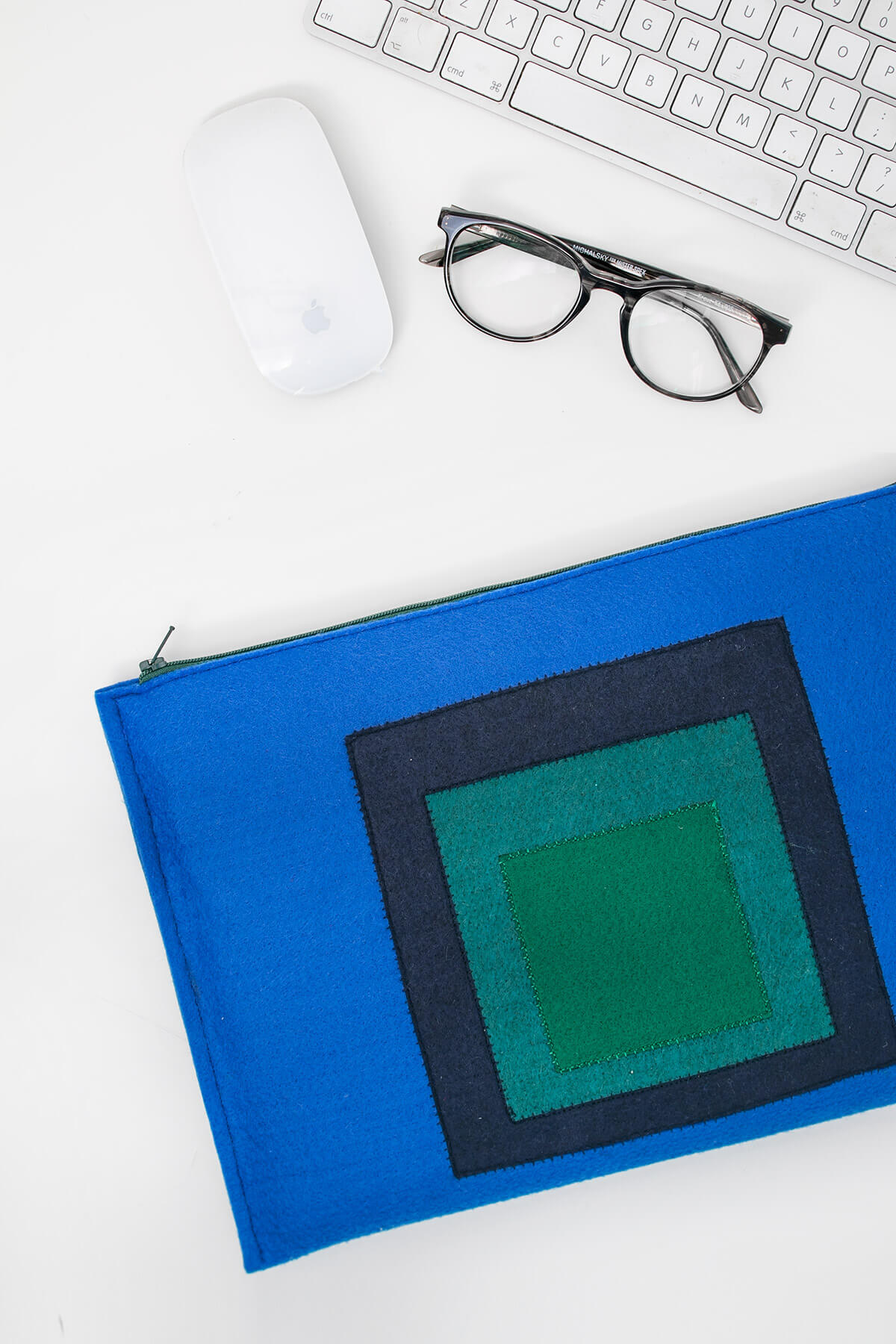 Abstract Color Block Felt Laptop Case - DIY Sewing Tutorial
