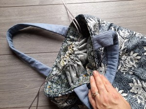 31. William Morris – The Crafty Lass BAG FINISHED