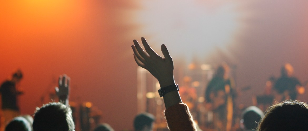 Singer-Songwriter Tips 15 Ways to Get People to Your Show
