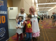 Another one of Rose and Onion, with Steve and Greg this time too! Greg was handing out Mr. Greg business cards. :D
